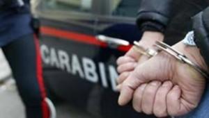 carabinieri-manette-arresto