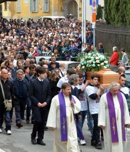 GALBIATE = FUNERALI DI CRISTIAN MARCHIO , 19ENNE DECEDUTO A SEGUITO DI INCIDENTE STRADALE