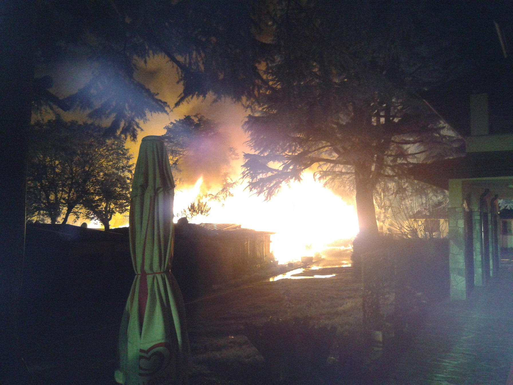 Incendio camping Colico2