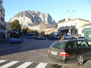 Stazione piazza auto Fabbio