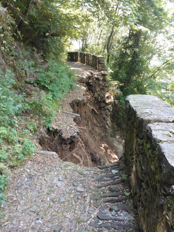 Dervio franato il sentiero che collega Dervio a Pianezzo