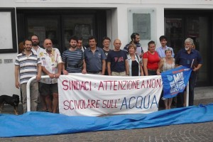 battaglia per l'acqua pubblica comitato