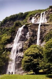 Cascata acqua fraggia - foto consorzio turistico valchiavenna (425x640)