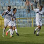 Calcio Lecco Esultanza Capogna