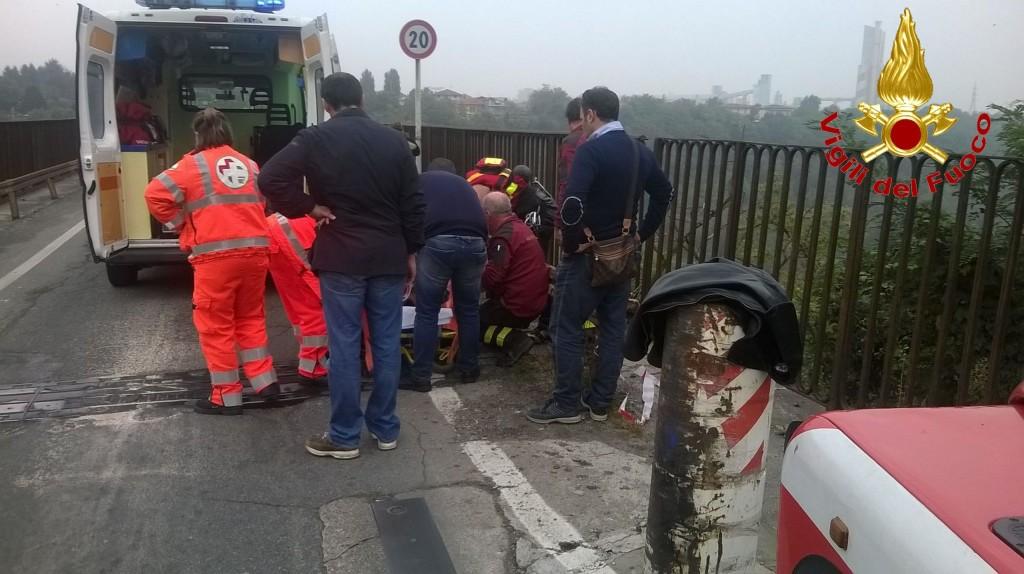 fallito suicidio Cernusco ambulanza