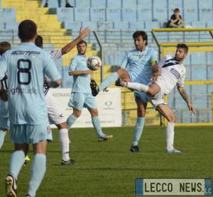 Calcio Lecco Aurora Seriate Azione 02
