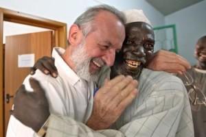 Frate Fiorenzo Priuli e Moussa Aboubakar Hassoumi, califfo di Kiota (Niger)