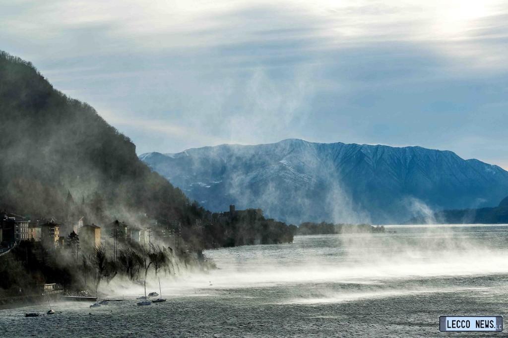 Dorio forte vento sul lago