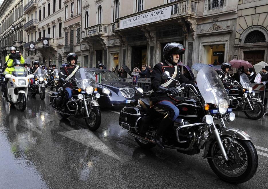 moto guzzi california vintage corazzieri mattarella (foto Repubblica)