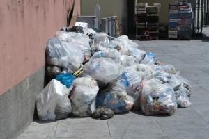 rifiuti piazza cermenati