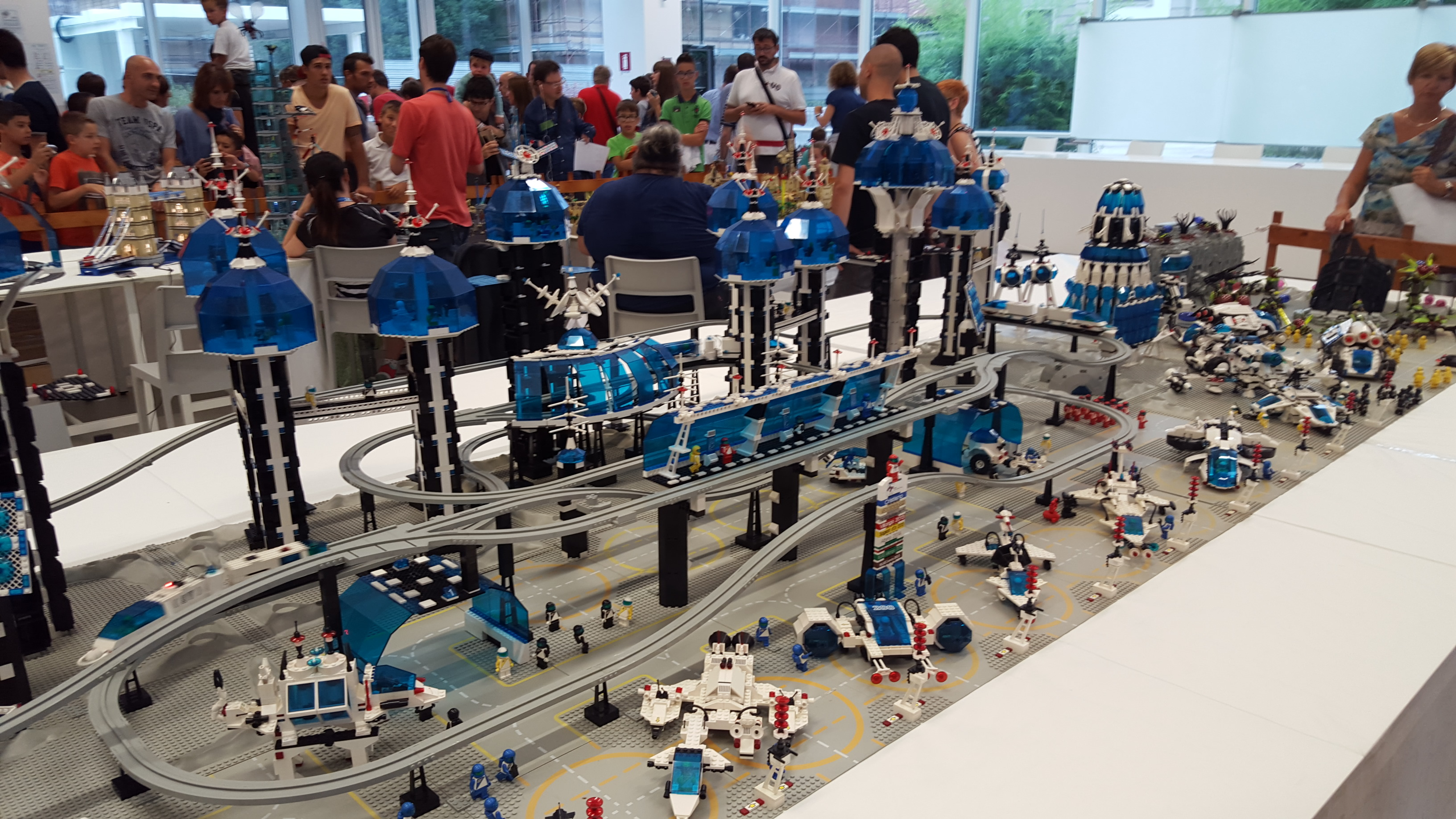 http://lecconews.lc/wp/wp-content/uploads/2015/08/MOSTRA-LEGO-58.jpg