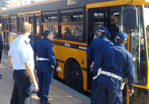 Polizia Locale su autobus