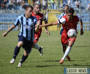 Calcio Lecco Varesina Azione Cardinio