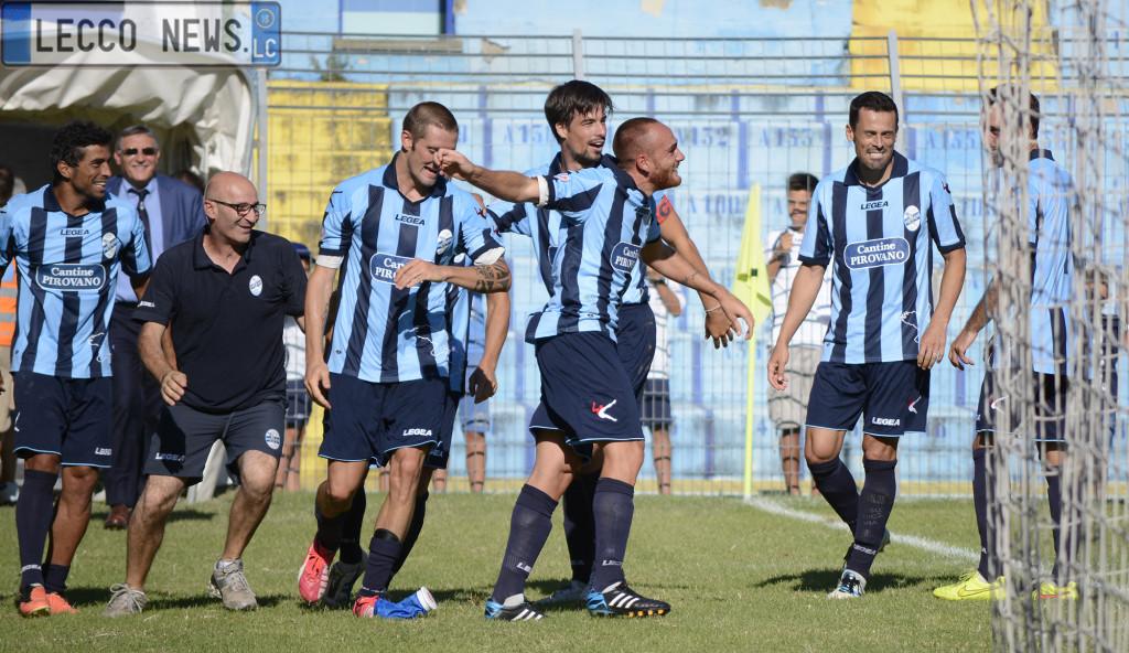 Calcio Lecco Varesina Esultanza Vignali 01