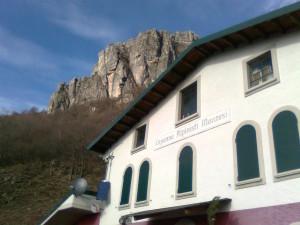 Capanna Monza alpinisti monzesi