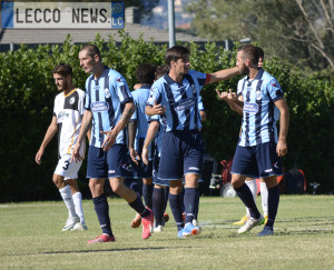 Olginatese Calcio Lecco esultanza 02