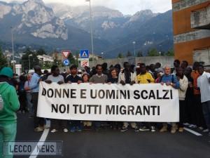 manifesta scalzi migranti 23