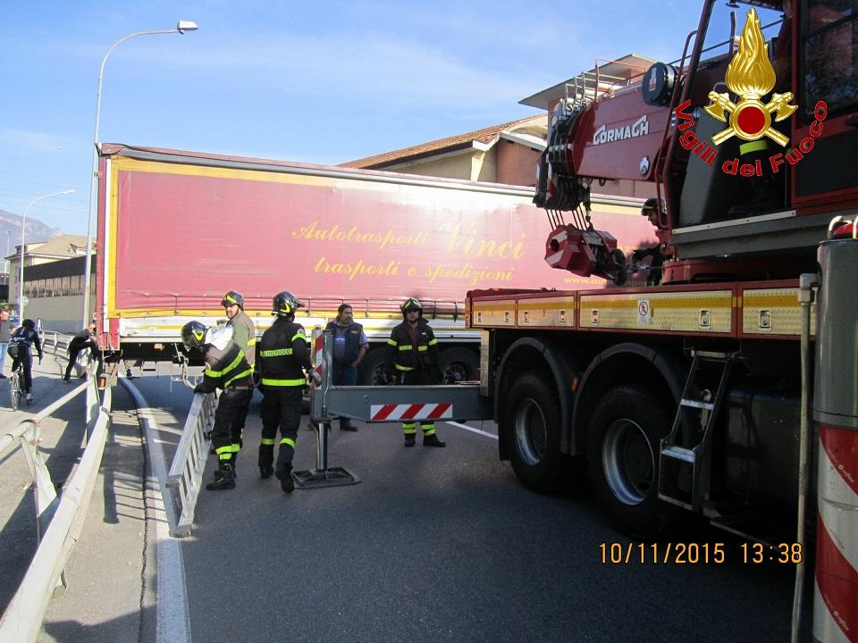 vvf vigili fuoco camion pescate 1