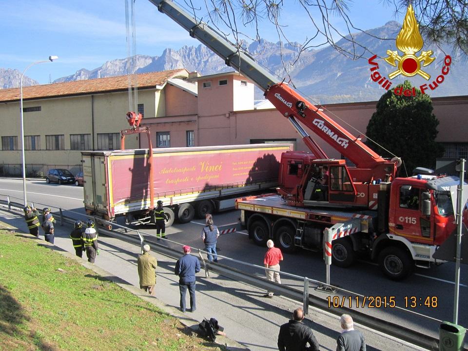 vvf vigili fuoco camion pescate 2