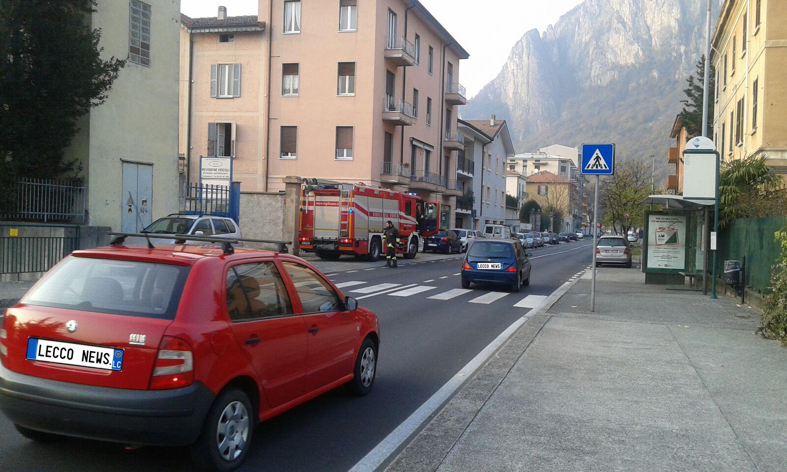 lecco pompieri via pasubio   Lecco News Notizie dell'ultima ora di Lecco,  lago di Como, Resegone, Valsassina, Brianza. Eventi, traffico