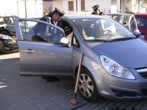 auto rubata carabineiri opel corsa 2