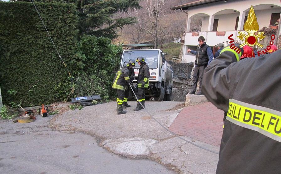 vigili fuoco pompieri autocisterna monte marenzo 1