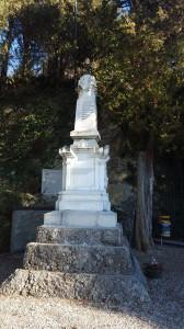Monumento ai Caduti, Santuario della Madonna di Lourdes, Acquate