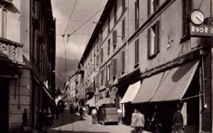 Via Cavour vista da Piazza Garibaldi, Lecco, 1955