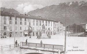 Largo Manzoni e via Dante Alighieri visti da via Caprera, Lecco, 1907