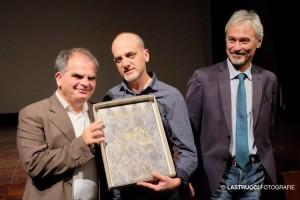 2016-premio-la-sirena-doro-a-gambettola-con-ab-aldo-demartino-e-sindaco-di-gambettola-foto-lastrucci-carlo-1