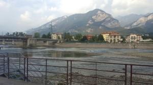 Riva del Pascolo vista dal lungo fiume di Olginate, 2016