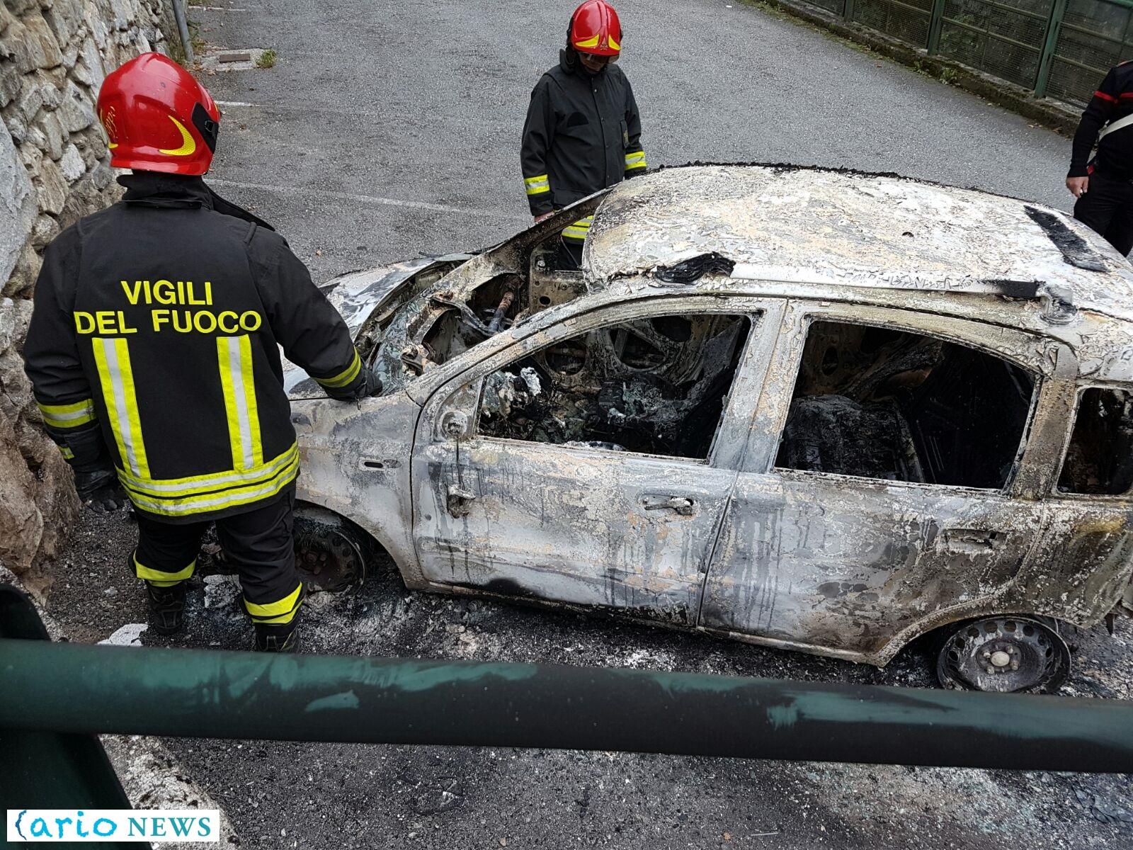 dorio-incendio-auto-vicesindaco-3