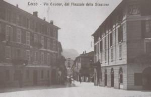 Via Cavour vista da Piazza Armando Diaz, Lecco, 1913