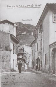Via alla chiesa, vista del castello di Rossino, Calolziocorte, 1908
