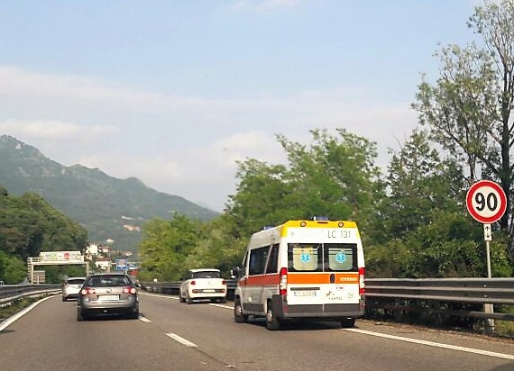 incidente ambulanza civate isella (3)