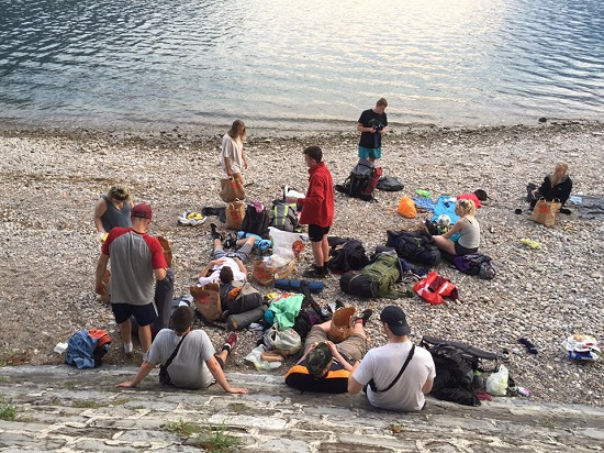 backpackers spiaggia lecco