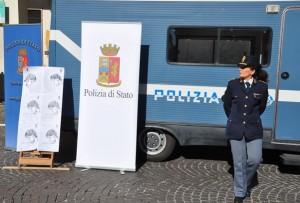 questura camper polizia violenza donne (2)