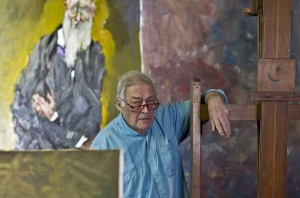 Gian Carlo Vitali nel sup studio a Bellano