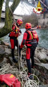 vigili del fuoco pompieri fluviale calolzio (1)