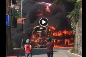 incidente auto bus incendio galleria 3