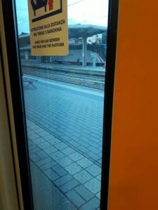 treno viaggio banchina 1
