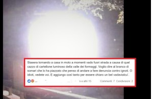 TABELLONE LUMINOSO DISPLAY e post su fb contro