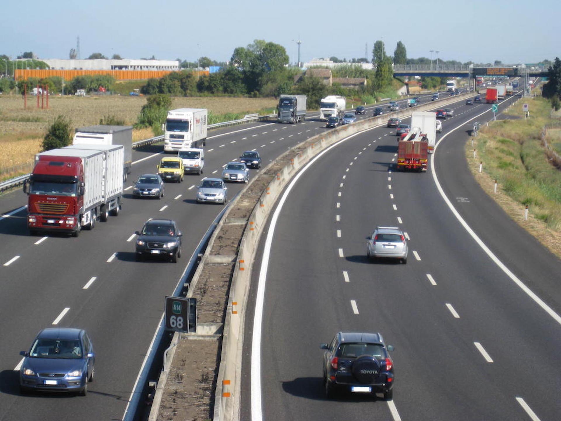Motori codice della strada si correr fino a 150 km h for Codice della strada biciclette da corsa